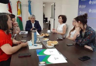 Claudia Márquez recibió del Municipio la adhesión a los 16 Días de Activismo contra la Violencia de Género