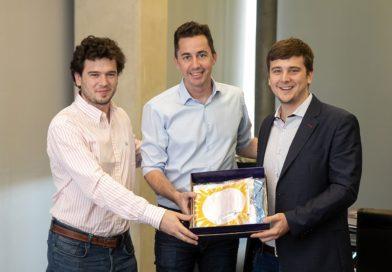 Calvo recibió a innovadores cordobeses reconocidos en los Emiratos Árabes